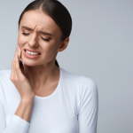 oral cancer signs and symptoms to look for